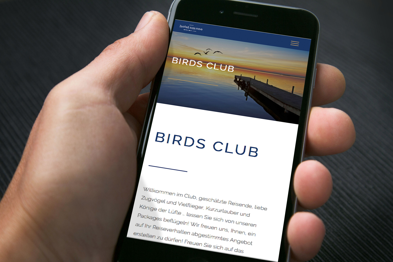 birdsclub iPhone 6 Closeup Hand 03